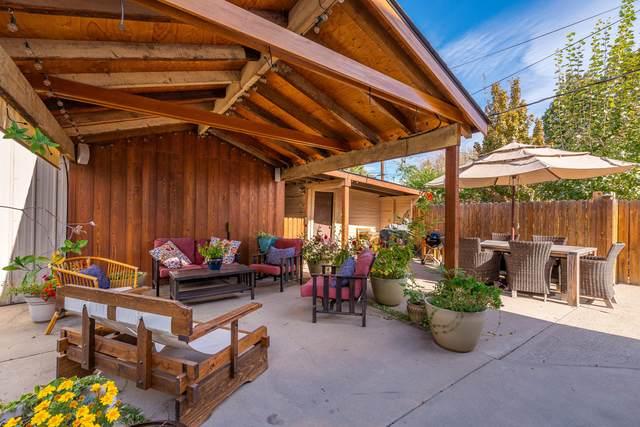 1016 Columbine St, Wenatchee, WA 98801 (MLS #722591) :: Nick McLean Real Estate Group