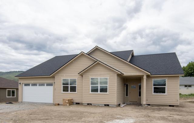 36 Starlight Ave, Wenatchee, WA 98801 (MLS #717923) :: Nick McLean Real Estate Group