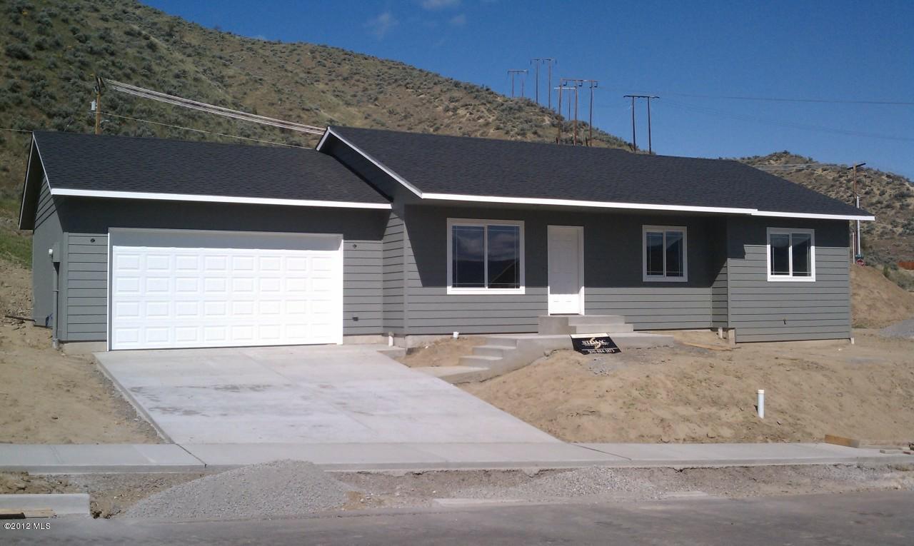 2157 Citation Loop, Wenatchee, WA 98801 (MLS #697533) :: Nick McLean Real Estate Group