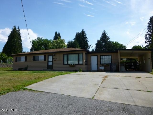 639 N Keller Ave, East Wenatchee, WA 98802 (MLS #698794) :: Nick McLean Real Estate Group