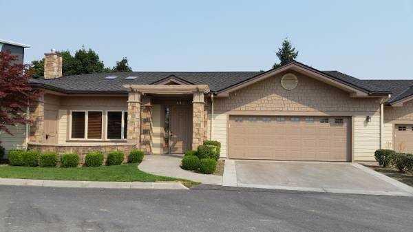 443 Riverwalk Dr, Wenatchee, WA 98801 (MLS #714097) :: Nick McLean Real Estate Group