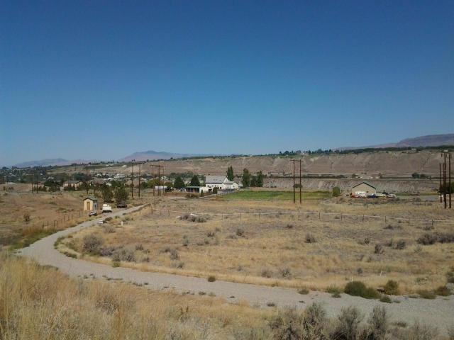 116 Chandrin Ln, Malaga, WA 98828 (MLS #716830) :: Nick McLean Real Estate Group