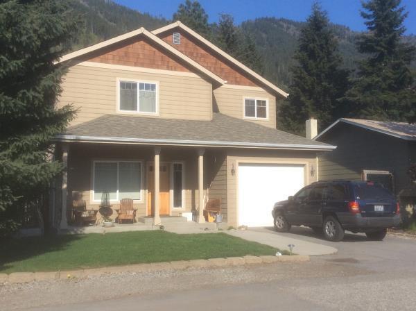 221 Cherry St, Leavenworth, WA 98826 (MLS #718097) :: Nick McLean Real Estate Group