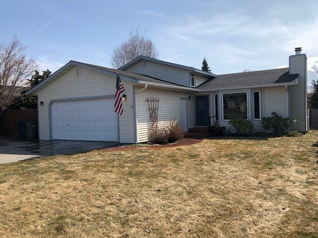 608 10th St, East Wenatchee, WA 98802 (MLS #718128) :: Nick McLean Real Estate Group