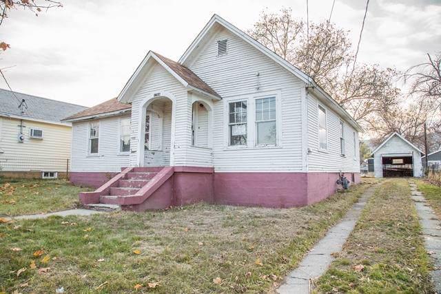 1766 Marker St, Wenatchee, WA 98801 (MLS #720255) :: Nick McLean Real Estate Group