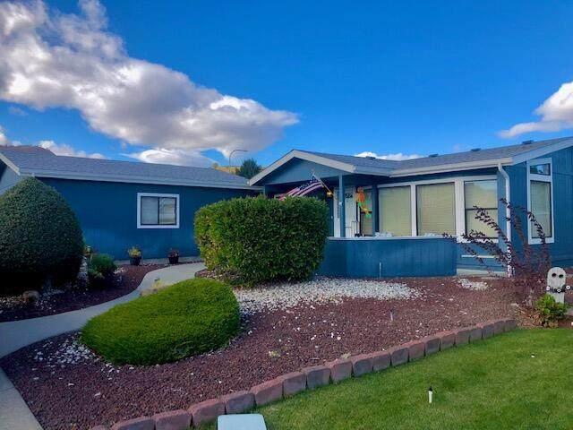 1706 Clark Dr, Wenatchee, WA 98801 (MLS #725080) :: Nick McLean Real Estate Group
