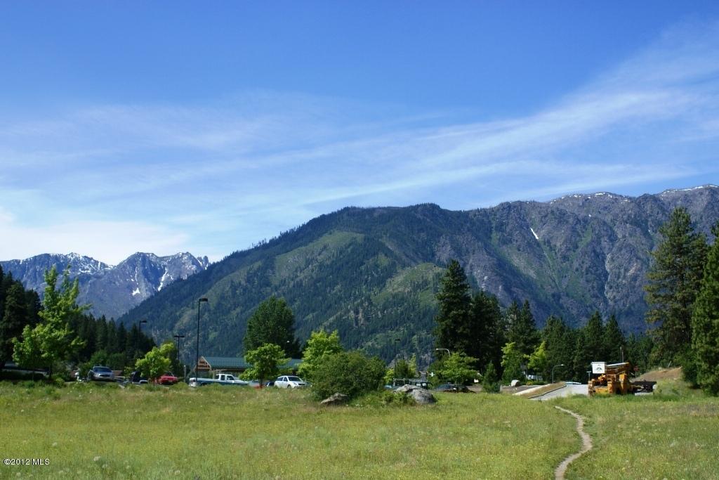 NNA Hwy.  2 & Riverbend Dr., Leavenworth, WA 98826 (MLS #698535) :: Nick McLean Real Estate Group