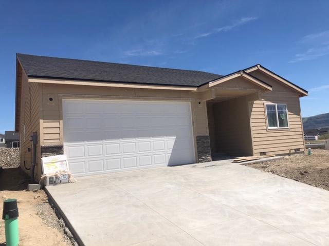 2224 S Melody Ln, East Wenatchee, WA 98802 (MLS #718637) :: Nick McLean Real Estate Group