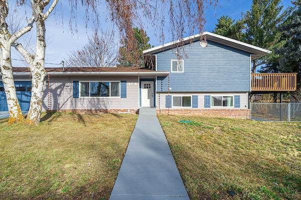 2481 3rd St, East Wenatchee, WA 98802 (MLS #720670) :: Nick McLean Real Estate Group