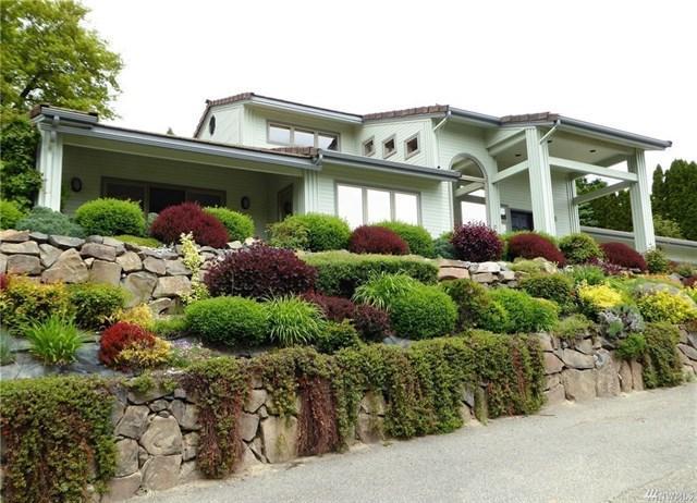 2013 Rainbow Ln, Wenatchee, WA 98801 (MLS #715020) :: Nick McLean Real Estate Group