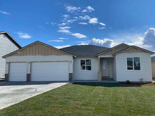 2130 S Melody Ln, East Wenatchee, WA 98802 (MLS #720654) :: Nick McLean Real Estate Group