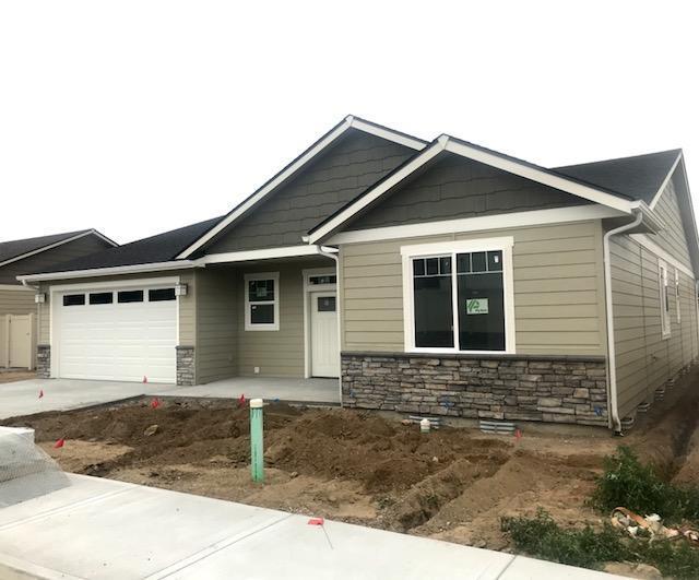 180 Pershing Circle, Wenatchee, WA 98801 (MLS #713753) :: Nick McLean Real Estate Group