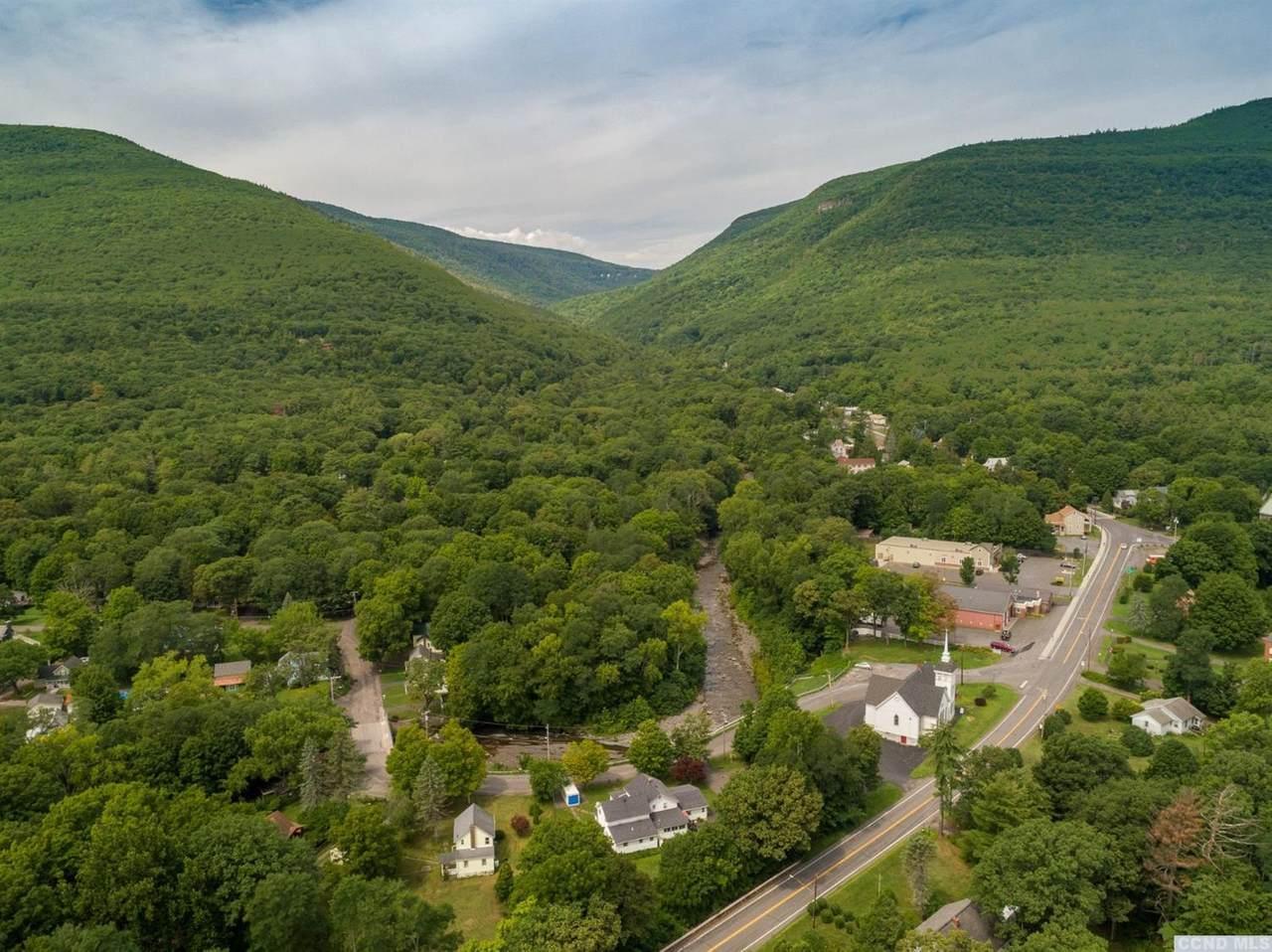 27 Woodstock Avenue - Photo 1