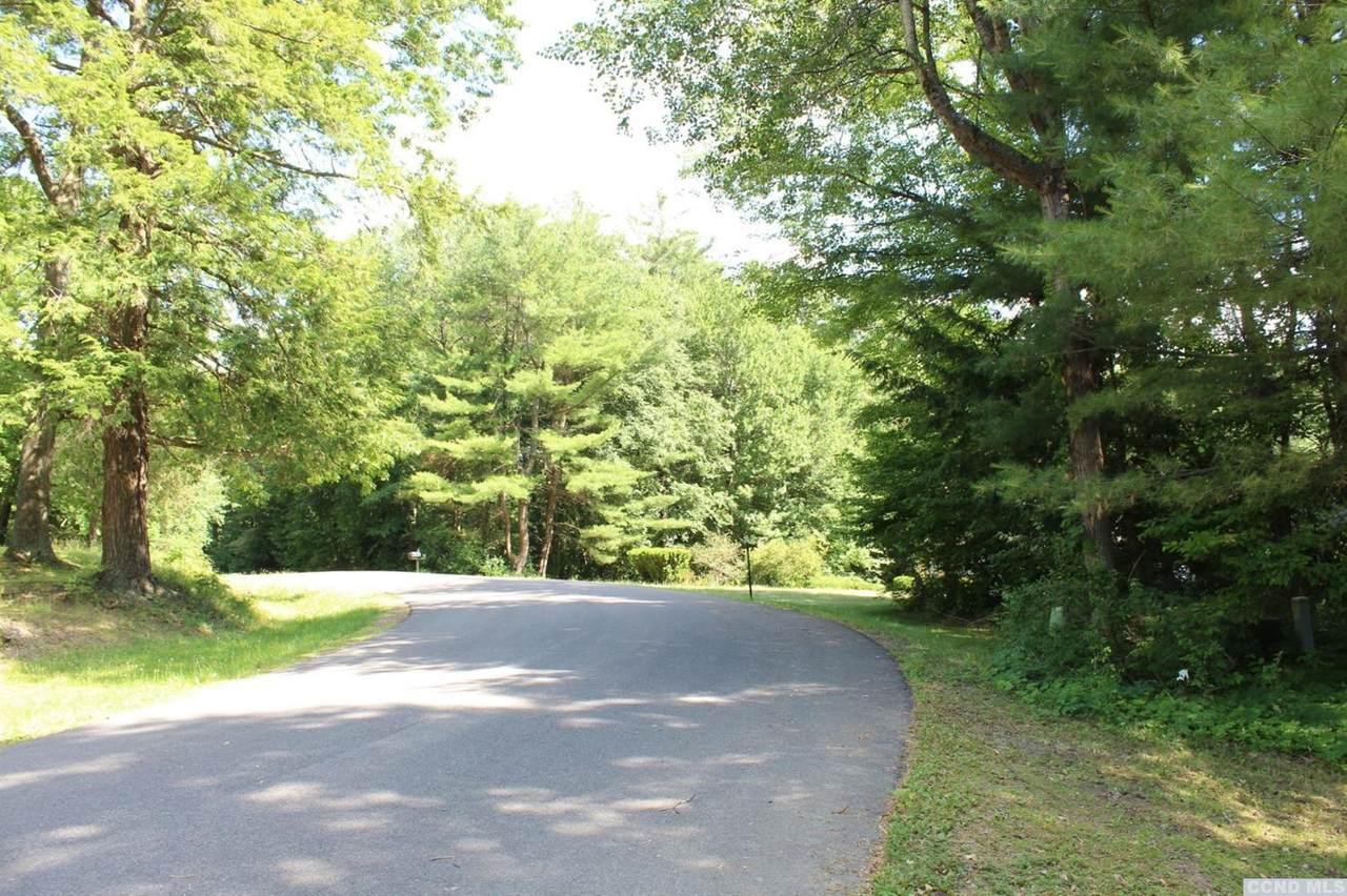 66 Knollwood Drive - Photo 1