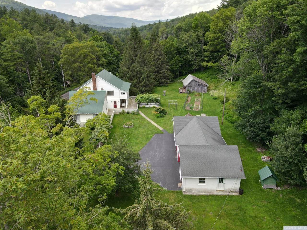 1675 Spruceton Road - Photo 1
