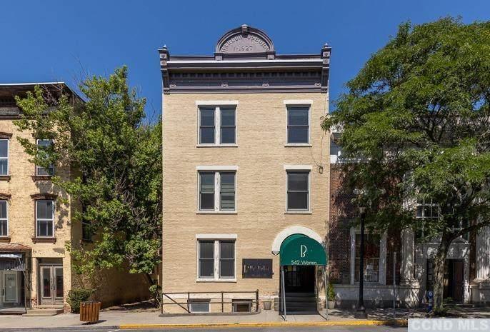 542 Warren Street - Photo 1