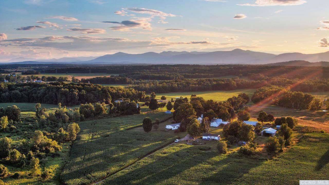 32 Treeland Farm Drive - Photo 1