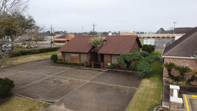 890 Sierra Dr, Port Neches, TX 77651 (MLS #81857) :: Triangle Real Estate