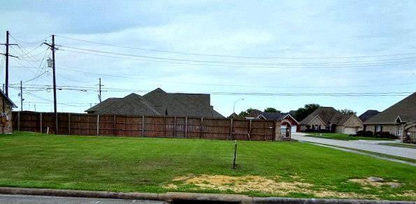 3110 Saba Lane, Port Neches, TX 77651 (MLS #77930) :: Triangle Real Estate