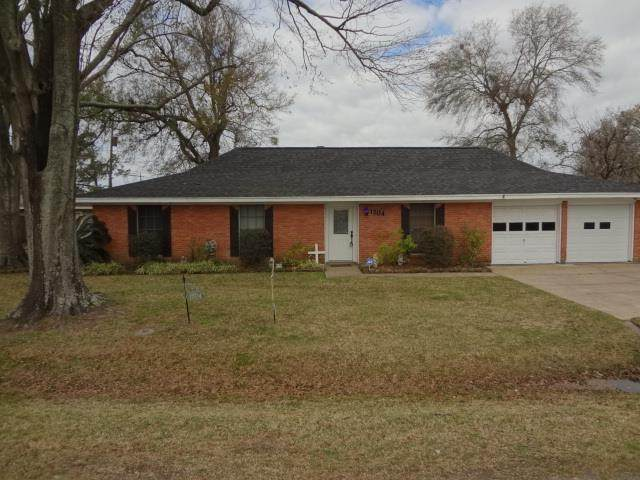 1204 Lamar Ave, Nederland, TX 77627 (MLS #81905) :: Triangle Real Estate