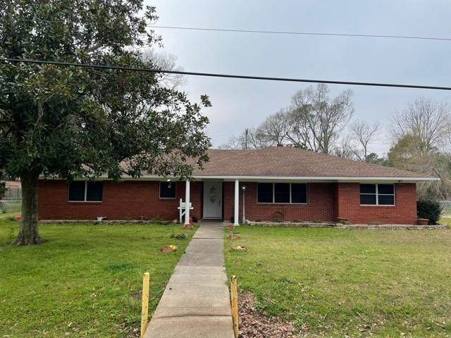 3413 Graves Ave, Groves, TX 77619 (MLS #81916) :: Triangle Real Estate