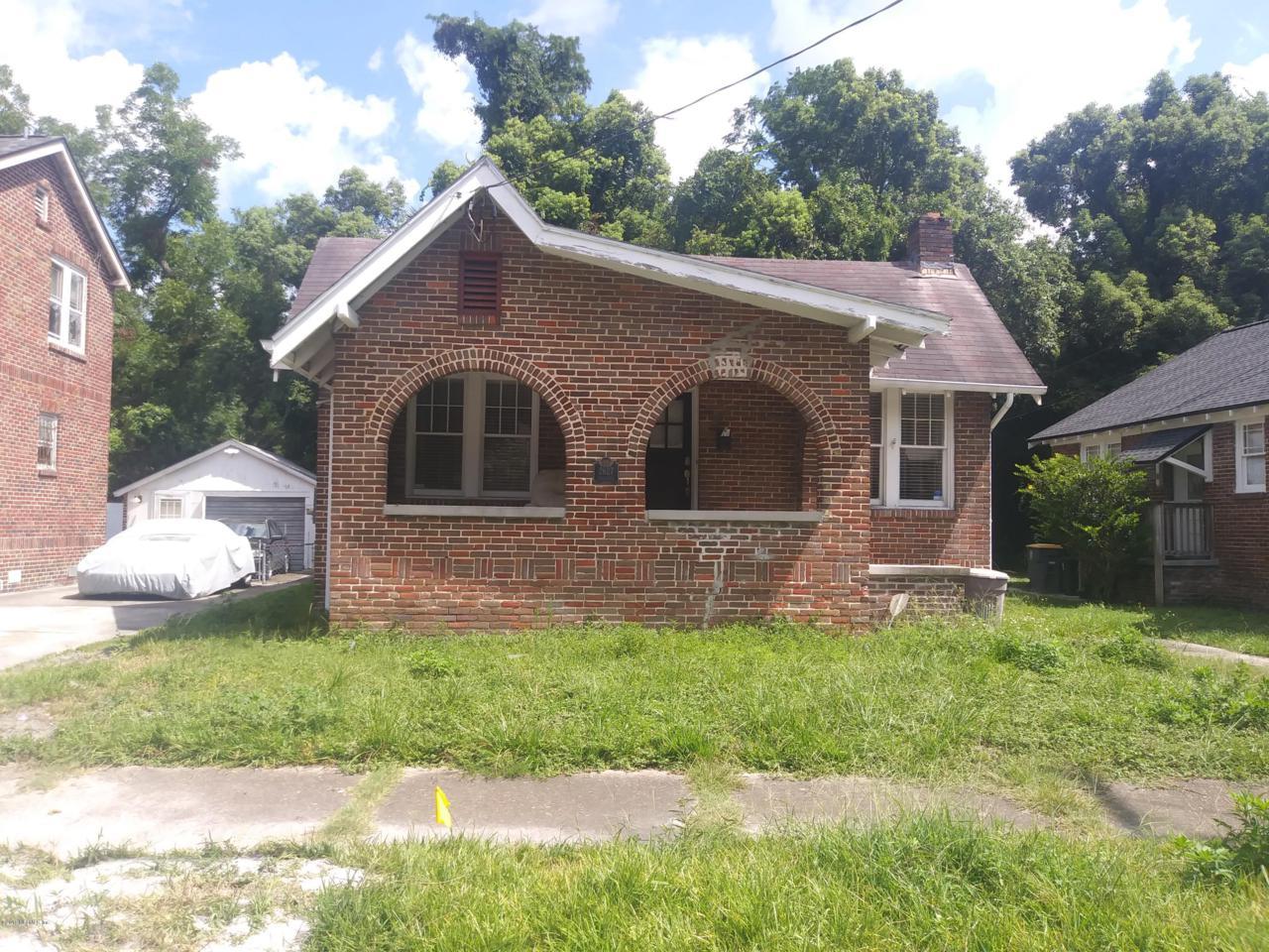2627 Dellwood Ave - Photo 1