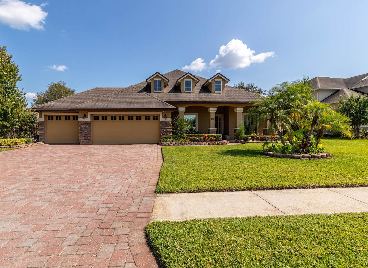 936 Forest Creek Dr - Photo 1