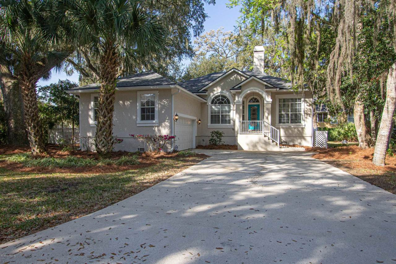 499 Crosswind Dr - Photo 1