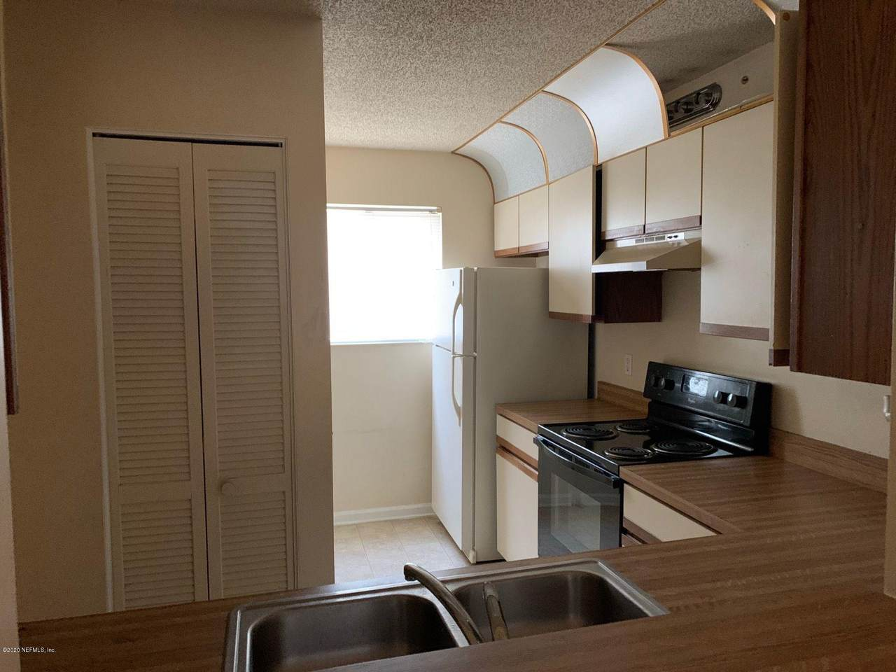 3801 Crown Point Rd - Photo 1