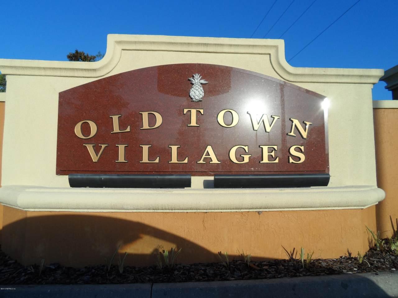 225 Old Village Center Cir - Photo 1
