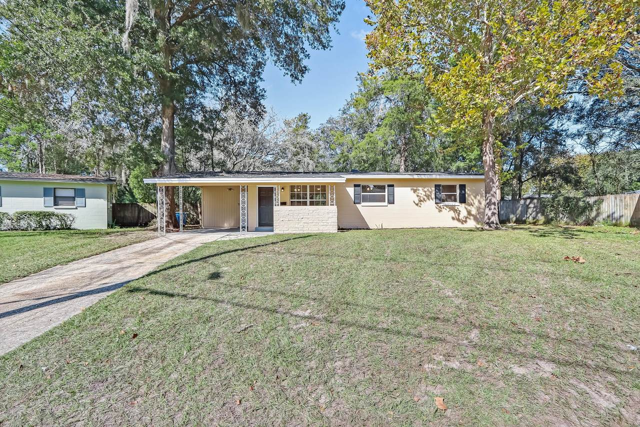 7501 Wycombe Dr - Photo 1