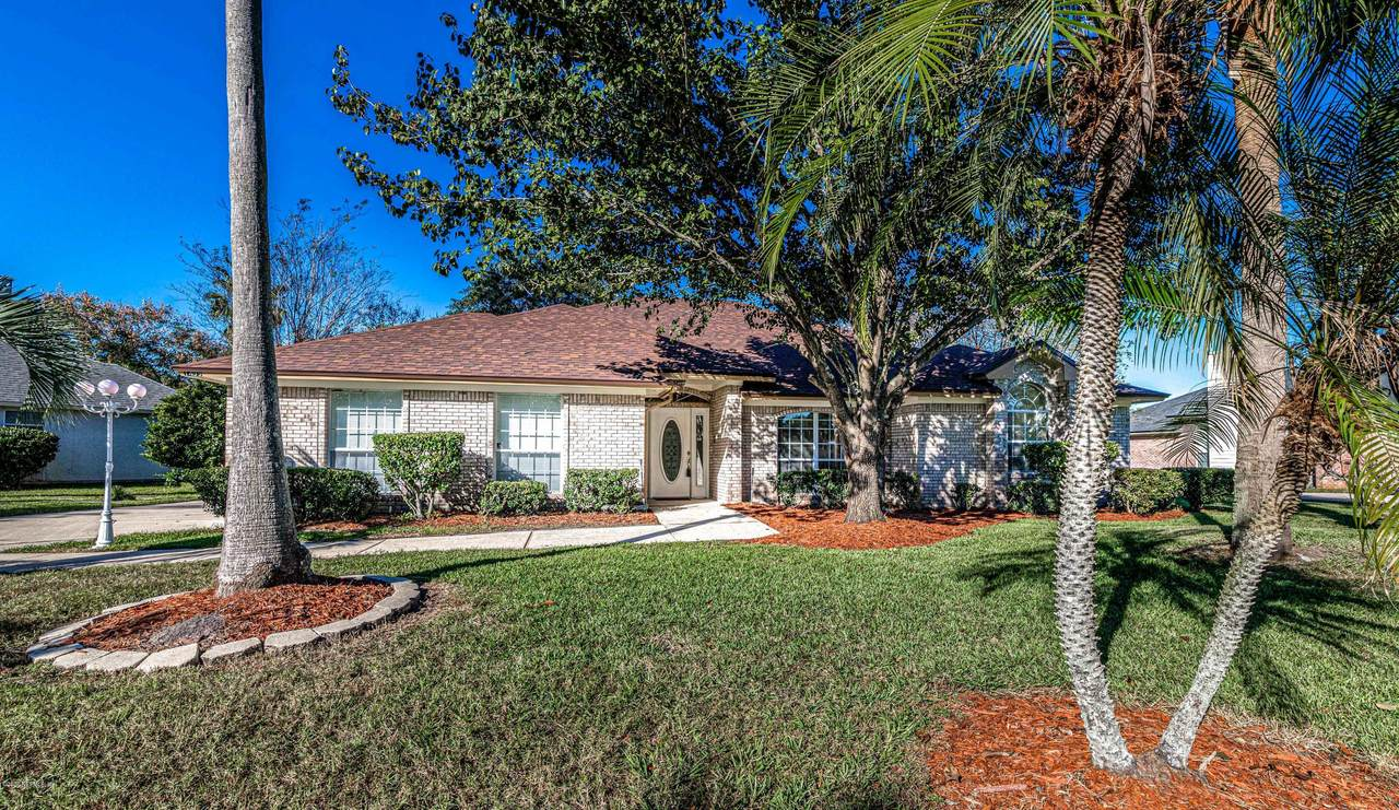 1499 Silver Bell Ln - Photo 1