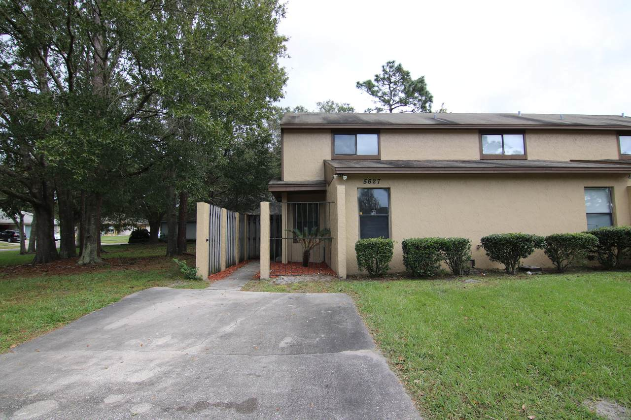 5627 Pinebay Cir - Photo 1