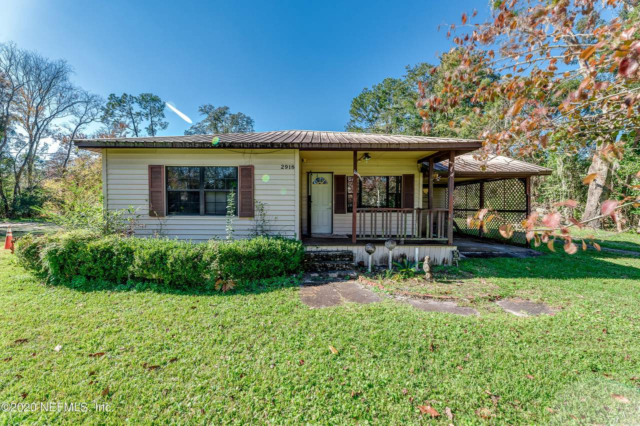 2918 Davell Rd - Photo 1