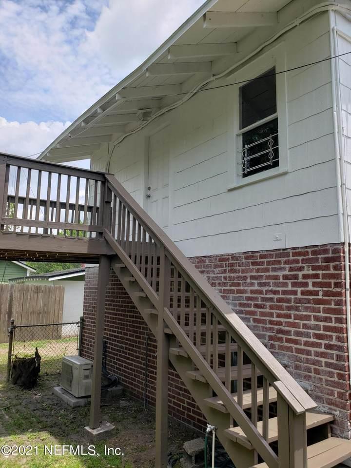 2135 Dellwood Ave - Photo 1