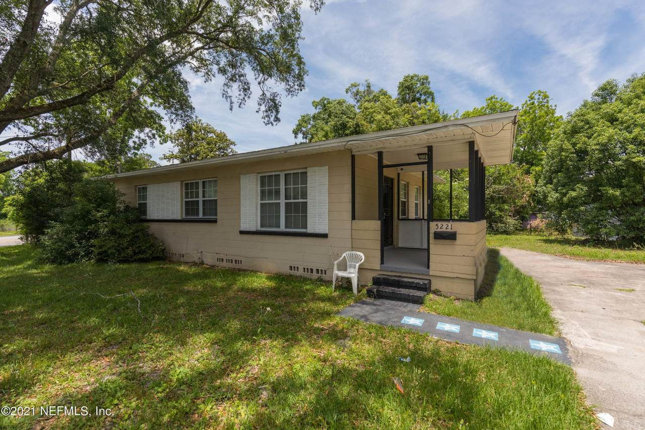 5221 Cleveland Rd - Photo 1