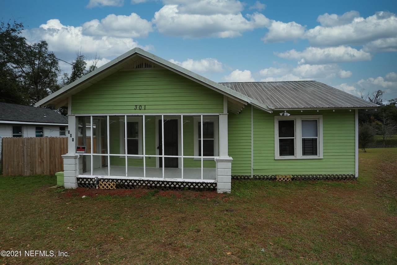 301 Cherokee St - Photo 1