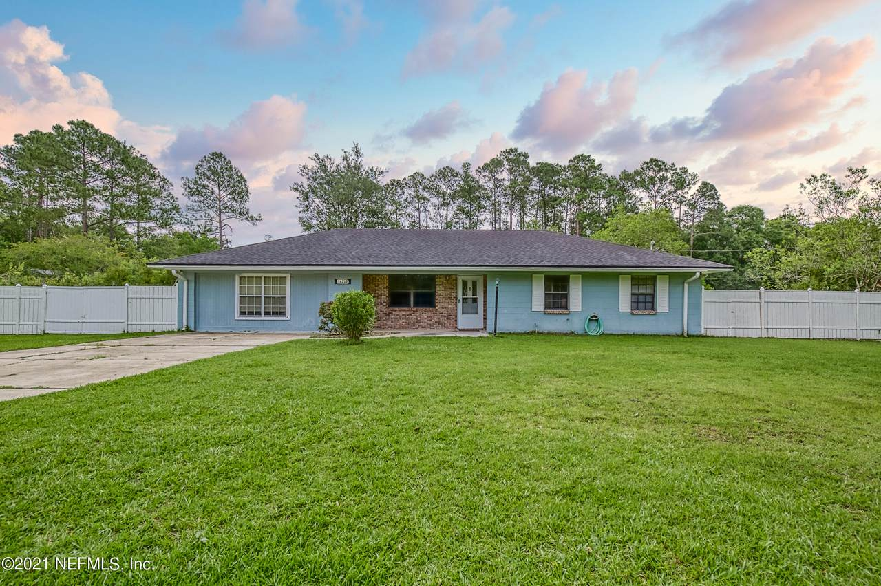 54212 Armstrong Rd - Photo 1