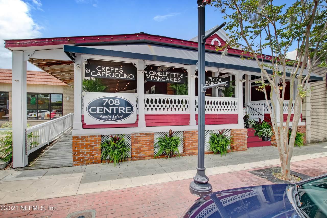 708 Centre St - Photo 1