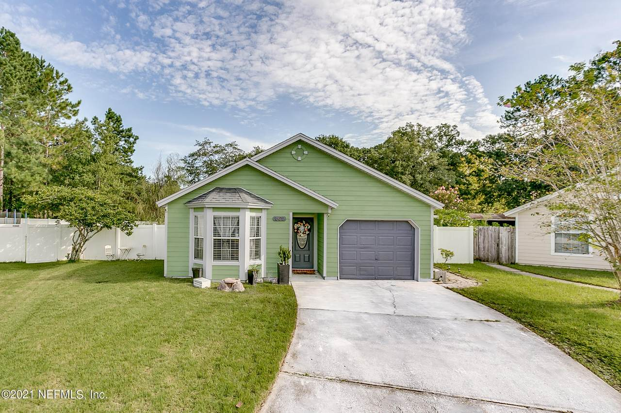 1605 Teaberry Dr - Photo 1