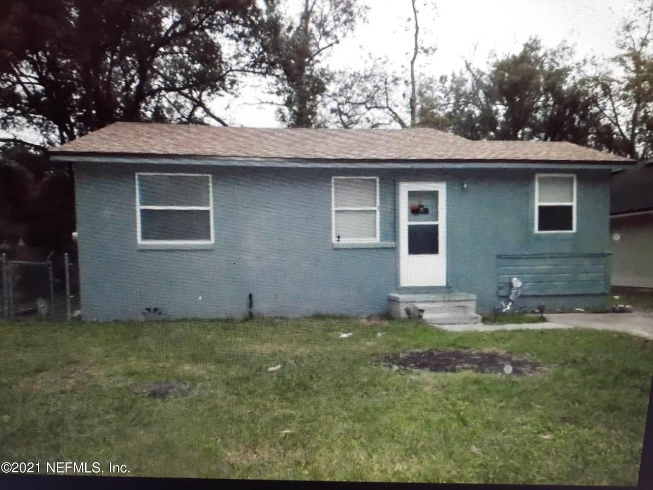 2903 Spencer St - Photo 1
