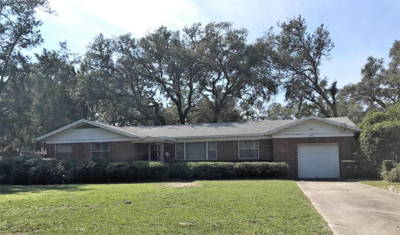 1750 Valencia Dr, Jacksonville, FL 32207 (MLS #878107) :: EXIT Real Estate Gallery