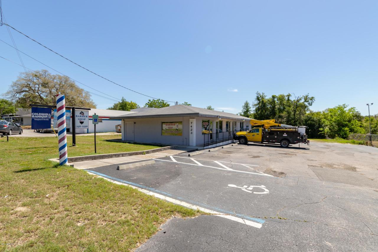 7423 State Road 21 - Photo 1