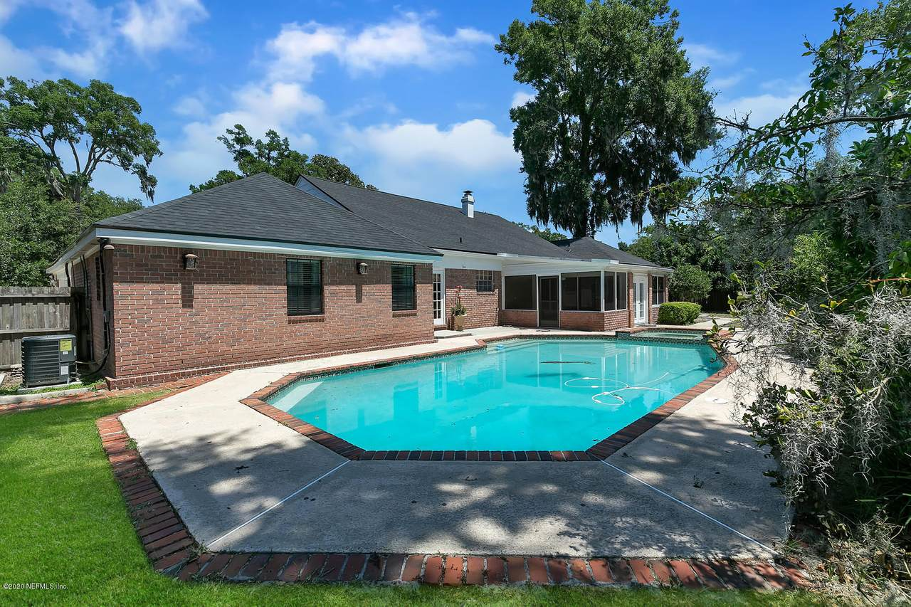 9406 Wexford Rd - Photo 1