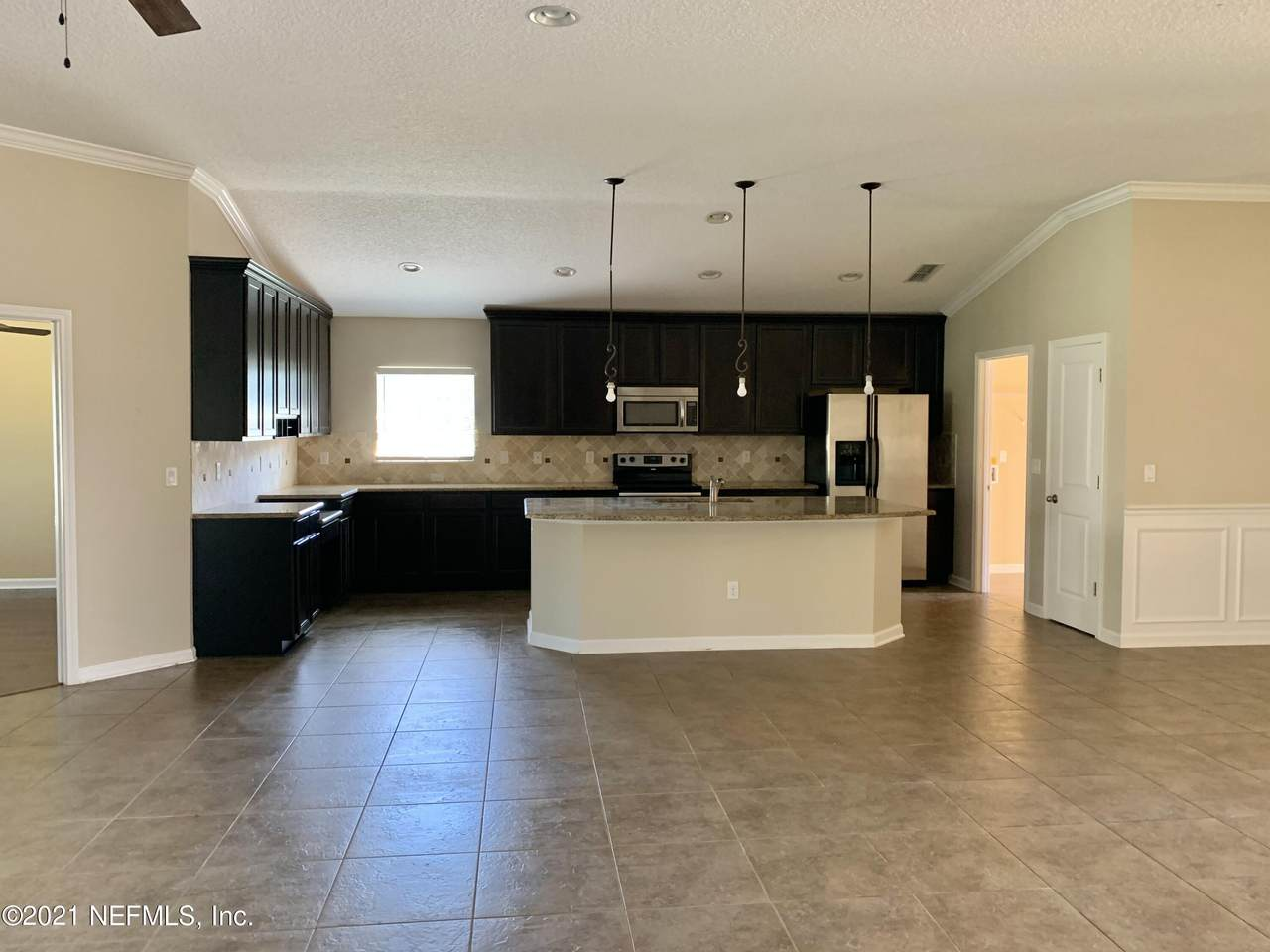 260 Bellagio Dr - Photo 1