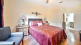 7801 Point Meadows Dr - Photo 17