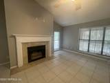 1104 Wood Hill Pl - Photo 3