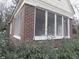 622 Nicholls St - Photo 2