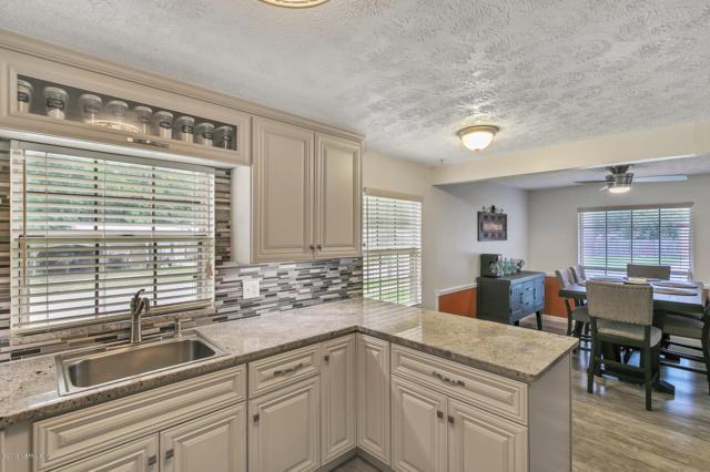 406 Libra Ln, Orange Park, FL 32073 (MLS #1000972) :: The Hanley Home Team