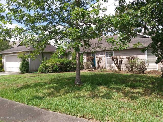 8230 Hamden Cir E, Jacksonville, FL 32244 (MLS #1001323) :: The Hanley Home Team